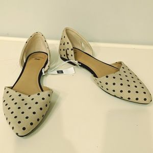 Gap NWT Cream and Black Polka Dot Flats